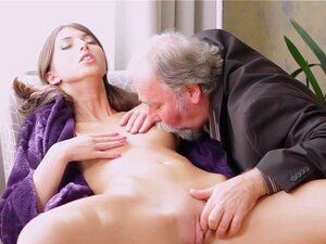 Papen porn marisa Marisa Papen